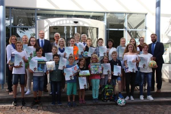 """Die Sieger des 48. Internationalen Jugendwettbewerbs """"jugend creativ"""" der Volksbank Nordschwarzwald eG"""