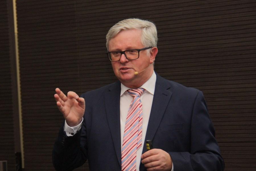 Frank Steinhagen, Experte für Vermögensübertragung und Direktor bei Union Investment Privatfonds GmbH, bei seinem Vortrag