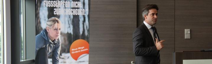 Stefan Benzing - Direktor VRNachfolgeBeratung, bei seinem Vortrag