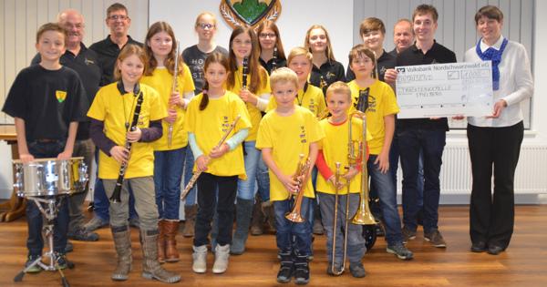 Spende Instrumente für Jugendkapelle Spielberg